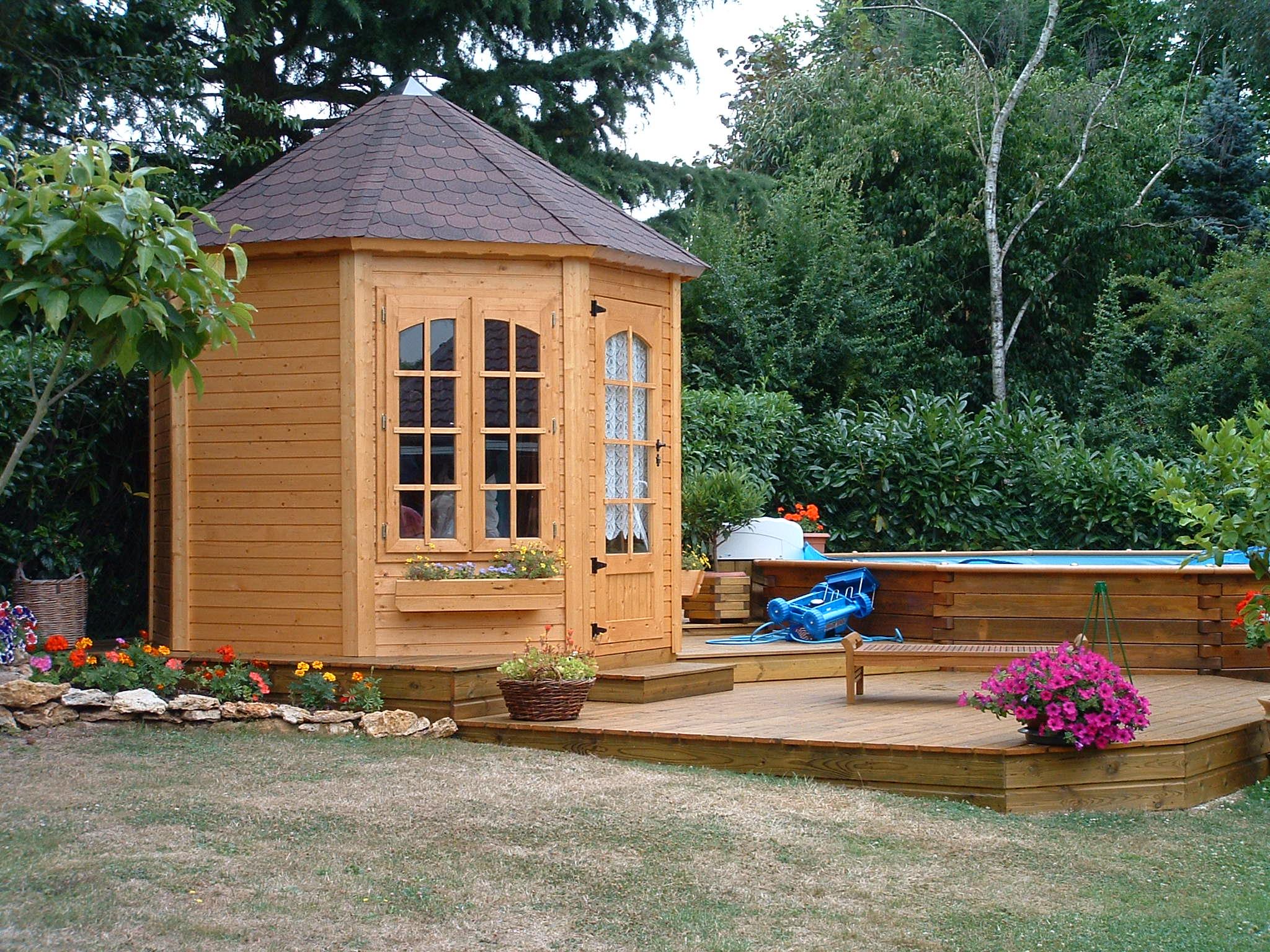 bien connaitre les plantes pour avoir un beau jardin cerisier abris de jardin en. Black Bedroom Furniture Sets. Home Design Ideas