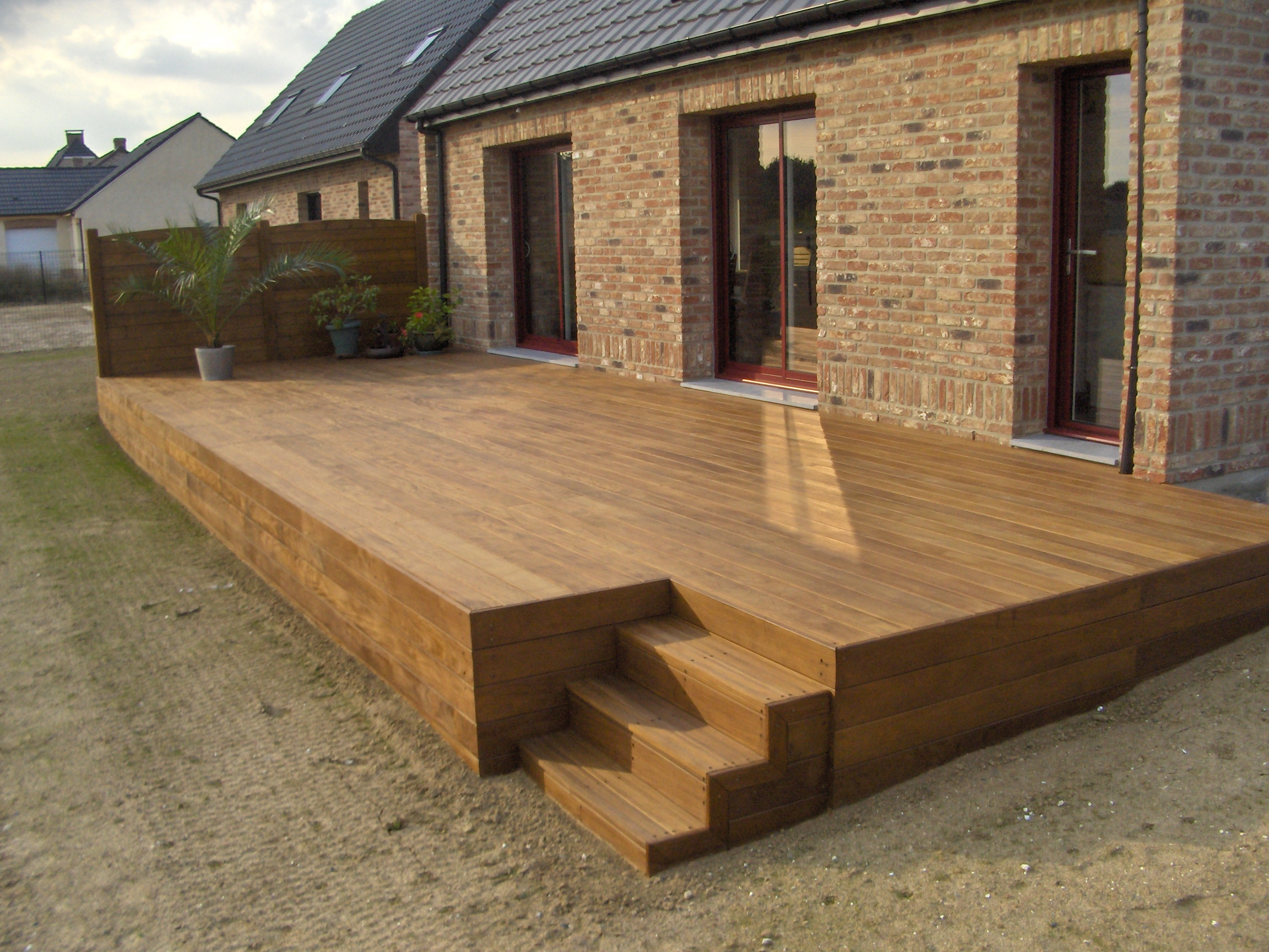 souvent Terrasse suspendue en bois, livrée et installée par  VO12