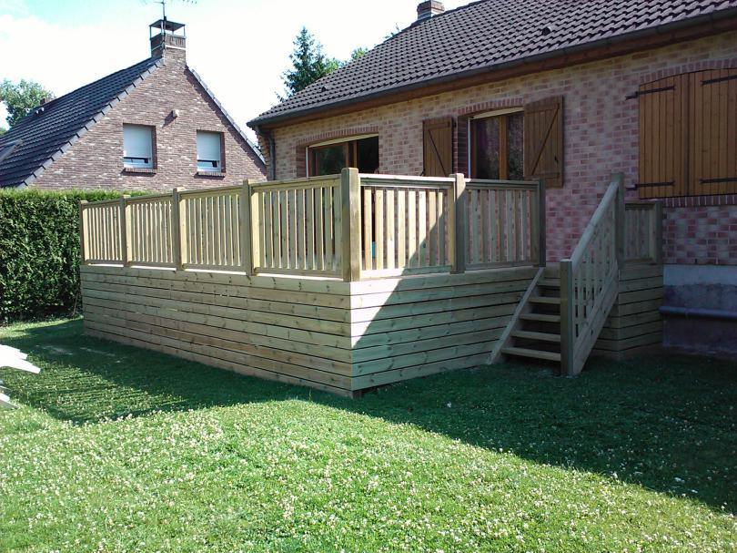 Fantastic Terrasse suspendue en bois, livrée et installée par  SR08