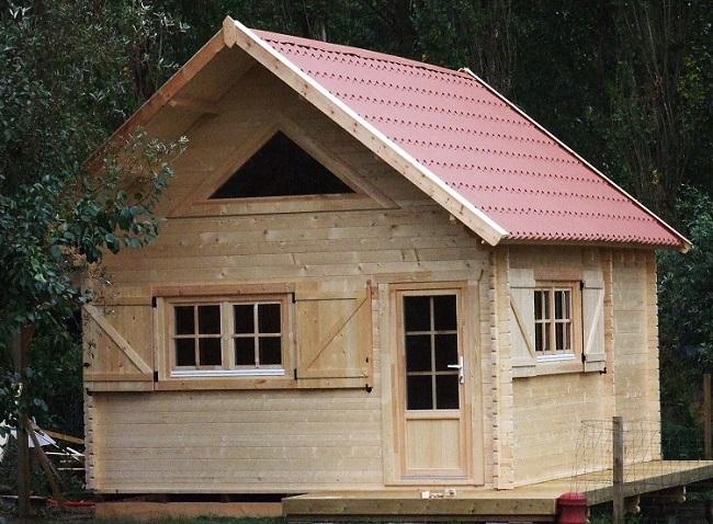 Chalet en bois avec mezzanine en sapin rouge du nord non for Chalet en bois avec mezzanine