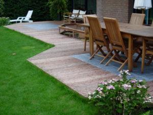 Comment décorer son jardin grâce à une terrasse en bois ?